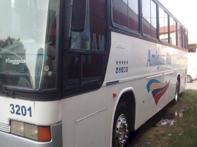 Vendo janelas(R$ 100,00 cada)Ônibus rodoviário o 371(Marcopolo) GV 1.000