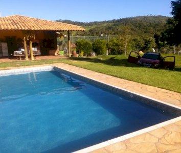 Espaço para Eventos ou Hospedagem com piscina em Brumadinho