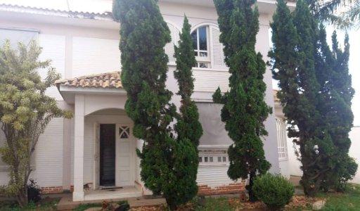 Vendo Casa Alto Luxo 5 Quartos estilo Europeu aceita 50% do valor em permuta