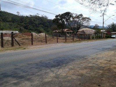 Terreno de 2.896 m²  As margens da MG 020 no Centro de Santa Luzia