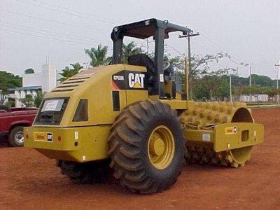 Rolo Compactador de Cravo - Caterpillar 533/08 Super conservada