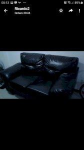 Sofá de couro preto 2 lugares