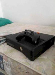 Xbox 360 destravado com vários jogos em ótimo estado de conservação