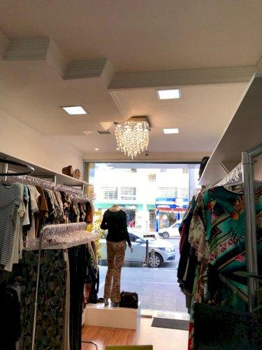 Passo ponto loja feminina no Bairro Guarani