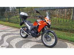 Kawasaki Versys X300 Ano 2018 com 20.000 km cor laranja OFERTÃO