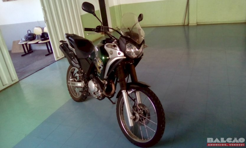 YAMAHA XTZ 250 TENERE BLUEFLEX ANO 2018/2017 MOTO DE COROA SISTEMÁTICO