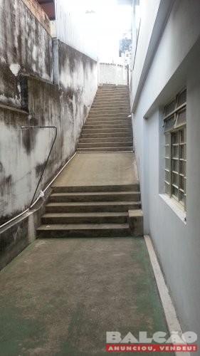 Alugo Casa 2 quartos no bairro Cachoeirinha ótima localização