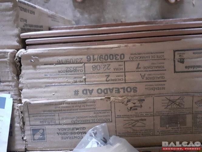 Pisos CECAFI 9 caixas com 8 pisos cada mais 3 avulsos Novos